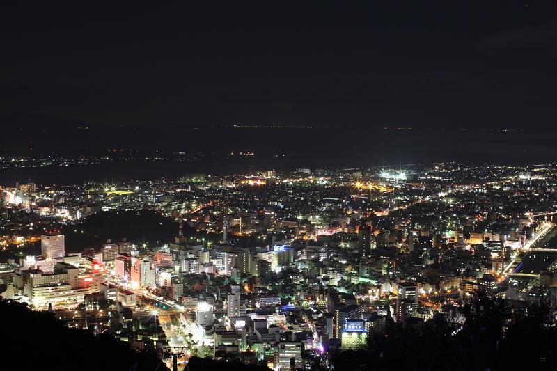 夜のまち歩き~LEDイルミネーションと眉山の夜景~
